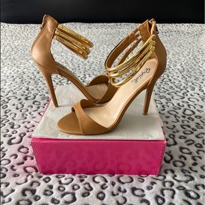 Tan Faux Leather Heels.